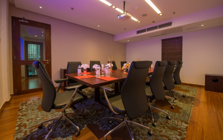 Conference Room at Vivanta Colombo, Airport Garden