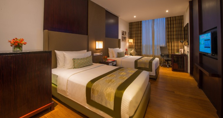 Deluxe Room Twin Bed at Vivanta Colombo, Airport Garden
