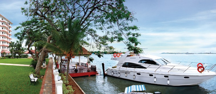 Private Yatch Cruize with Taj Malabar Resort & Spa, Cochin